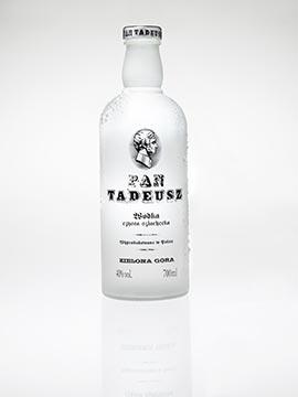 Fotografia studyjna wódki Pan Tadeusz